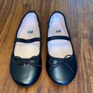 EUC H&M black dress shoes